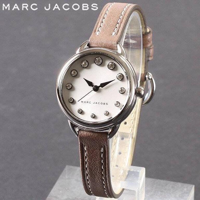 Thiết kế kiểu classic nữ tính và sang trọng của Marc Jacobs MJ1480