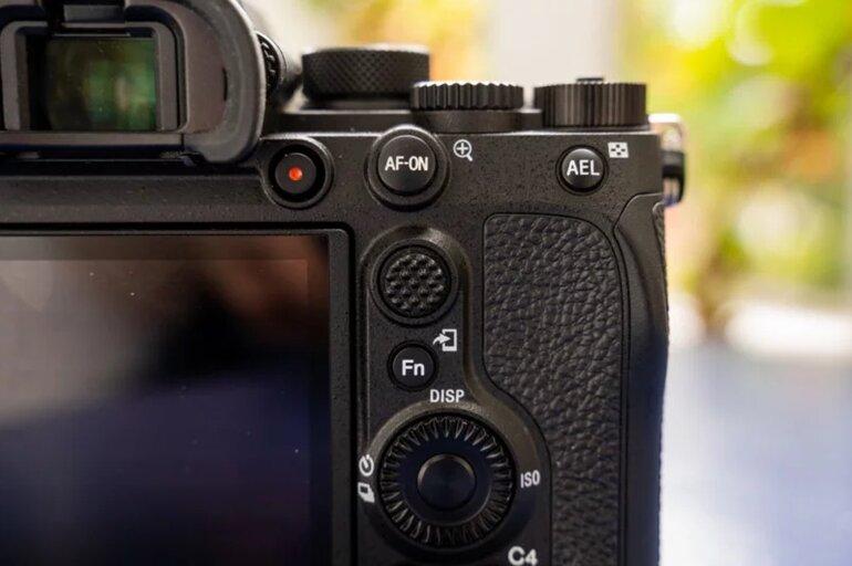 máy ảnh sony a7r iv