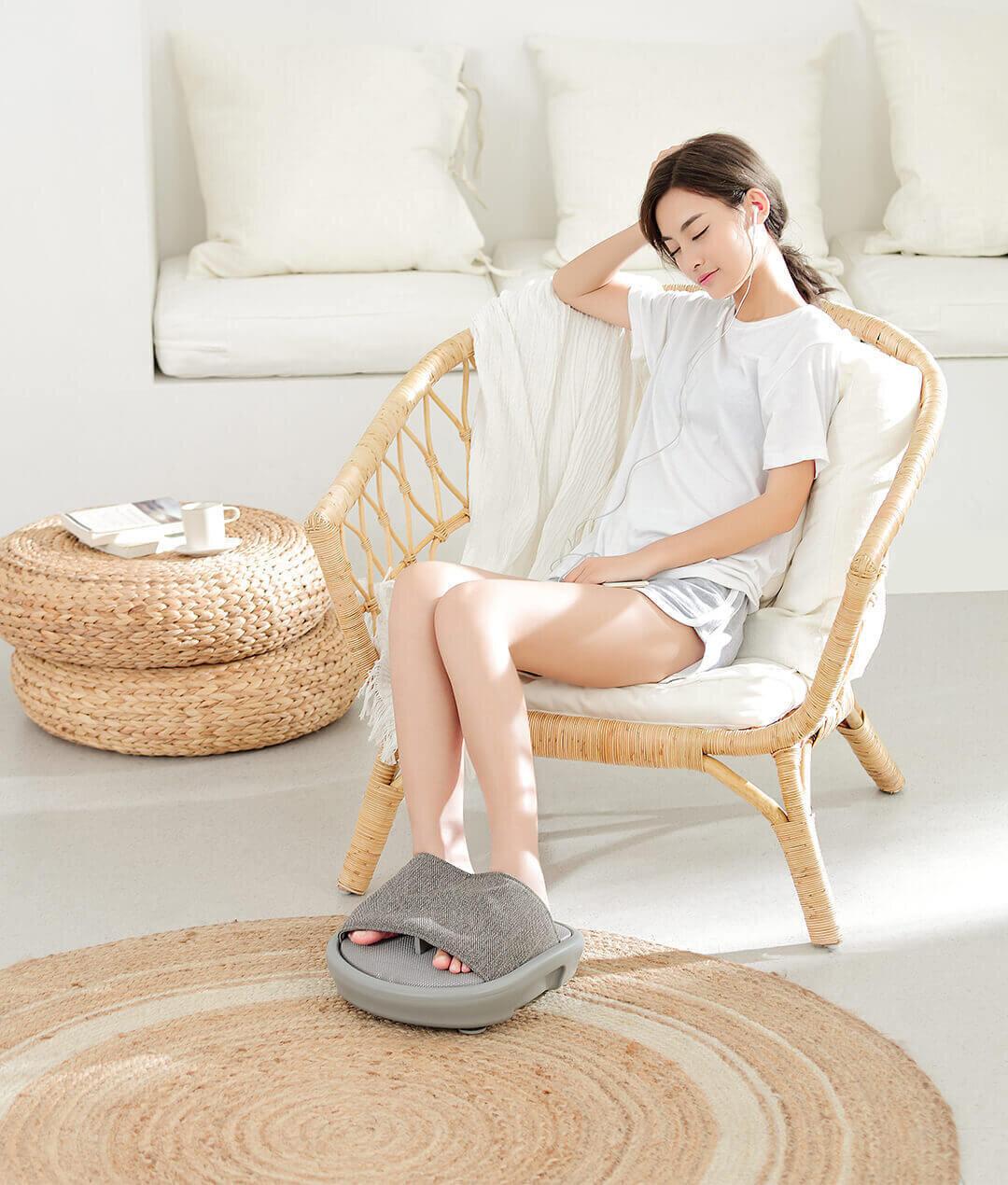 Hình ảnh một dạng máy massage chân trên thị trường