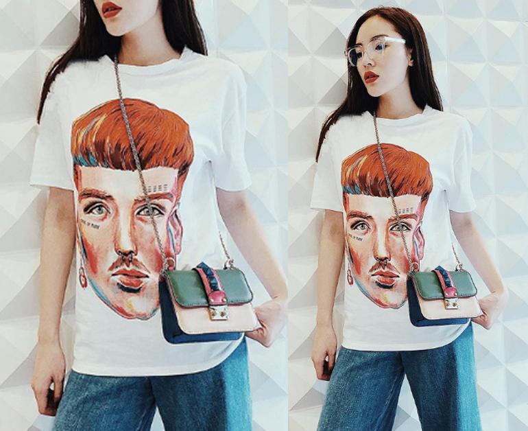 Áo phông oversize mix với quần denim ống suông rộng rãi thoải mái