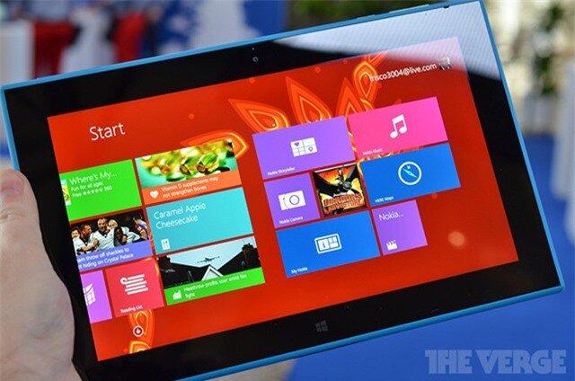 Lumia-2520_01