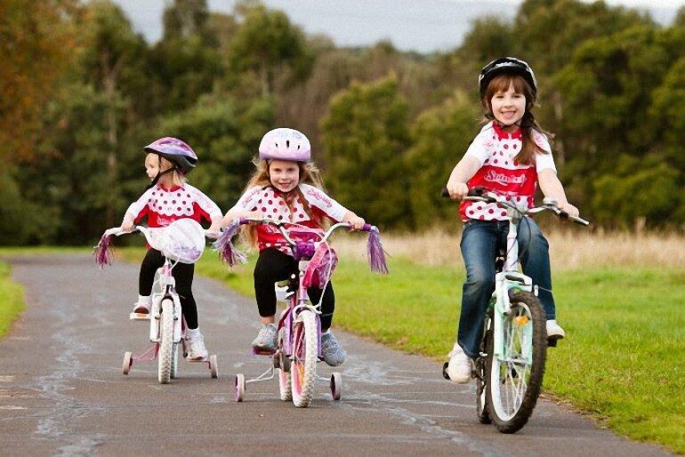 top 4 xe đạp 3 bánh tập đi cho bé