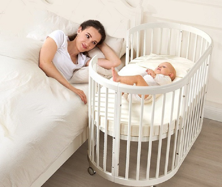 Cũi trẻ em tạo không gian riêng giúp bé ngủ sâu giấc hơn
