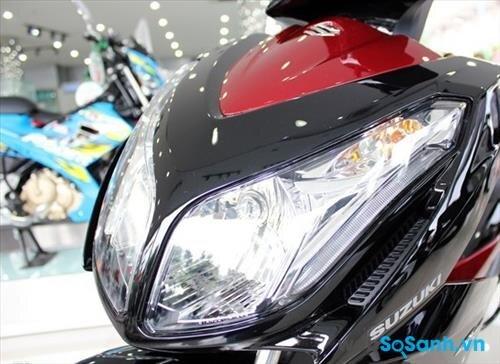 Đèn pha ấn tượng trên Suzuki Impulse