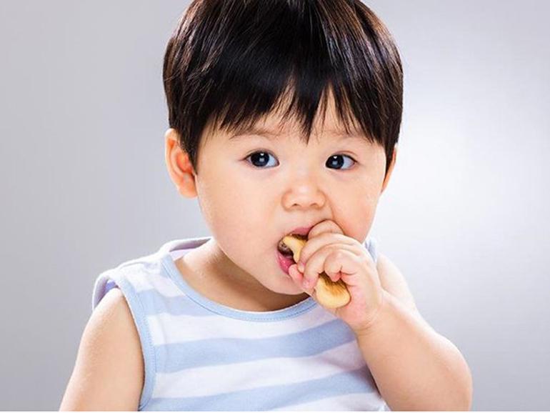 Bánh ăn dặm cho bé 7 tháng thương hiệu Nhật Bản