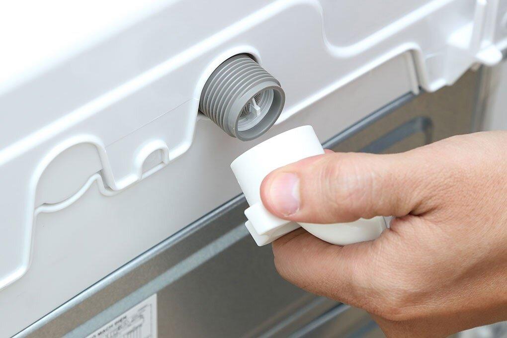 Vệ sinh ống dẫn nước máy giặt Toshiba