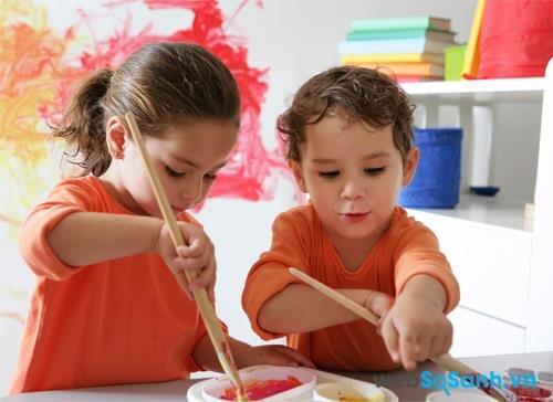 Sữa bột Friso Gold 4 cung cấp năng lượng cho bé vui chơi và học tập