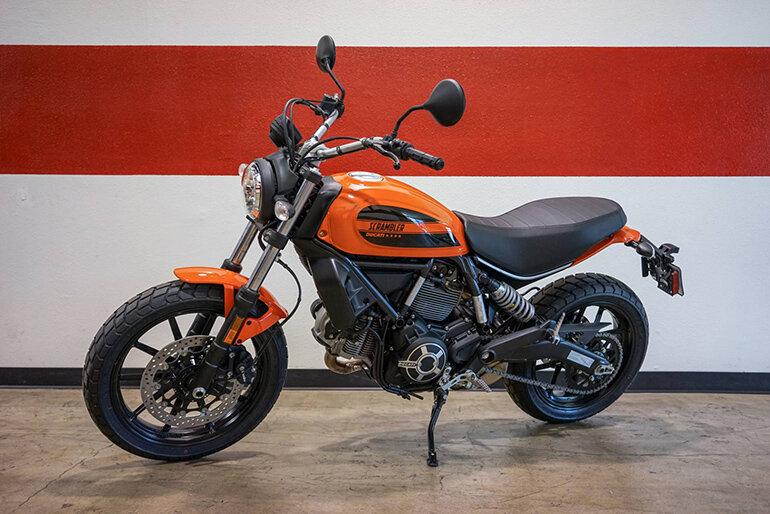 Ducati Scrambler Sixty2 mạnh mẽ và cổ điển