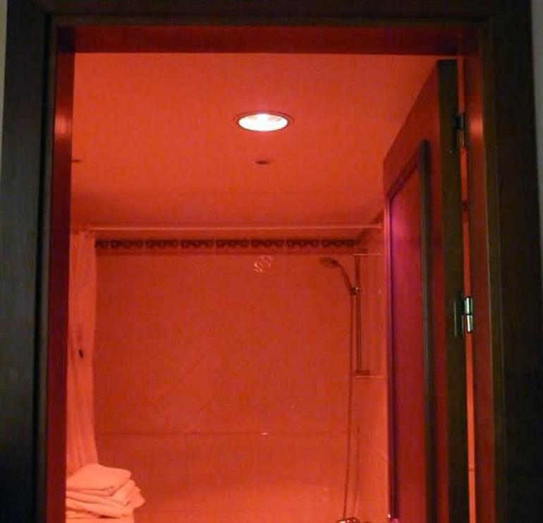 Đèn sưởi nhà tắm âm trần 1 bóng nhiều ưu điểm mà bạn không ngờ tới