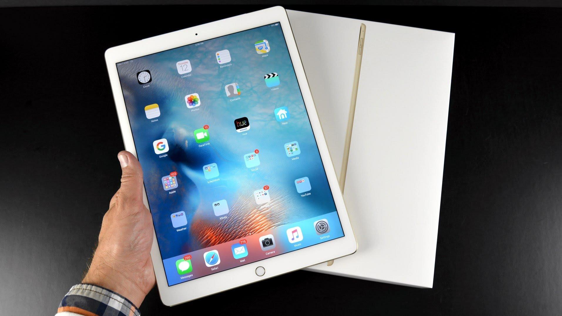 Hình ảnh iPad Air 2 khi ra mắt sản phẩm