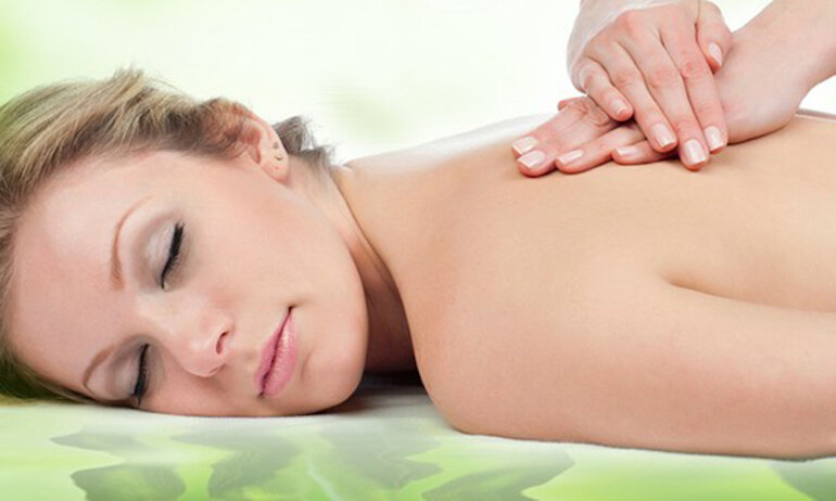 Lưu ý chuẩn bị trước khi massage cho mẹ sau sinh