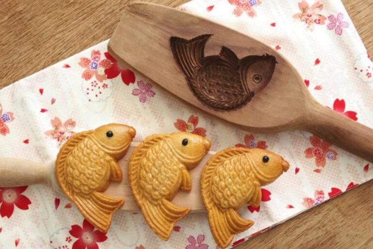 Khuôn bánh Trung thu hình cá chép vàng