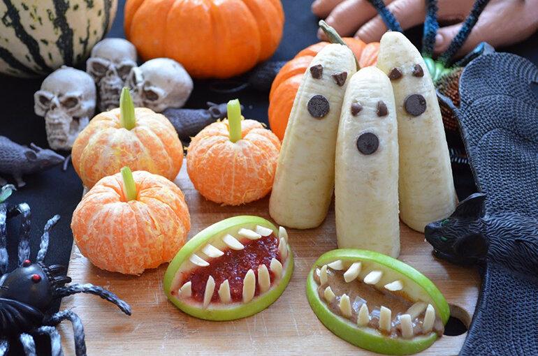 Bạn có thể tìm được nhiều vật trang trí Halloween thú vị tại Xì Trum Shop (Nguồn: 2.bp.blogspot.com)