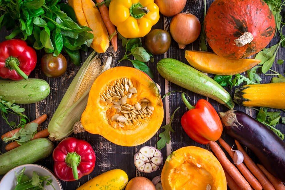 Bổ sung vitamin cần thiết cho bé thông qua đường ăn uống