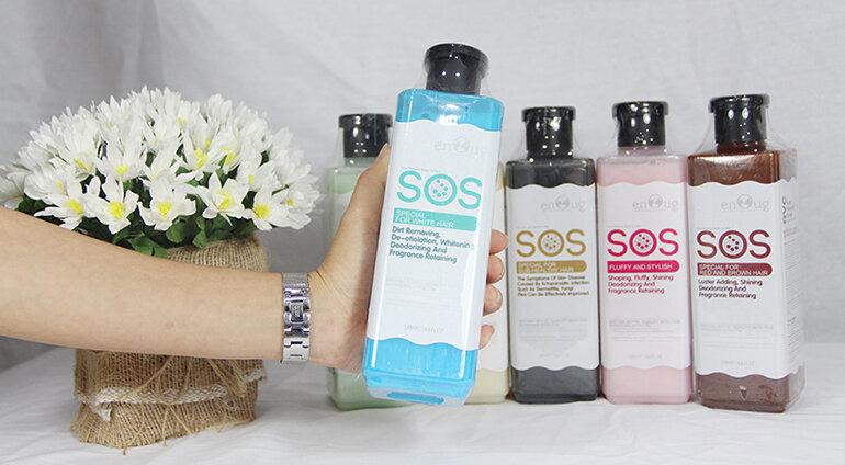 Sữa tắm cho chó lông trắng SOS màu xanh