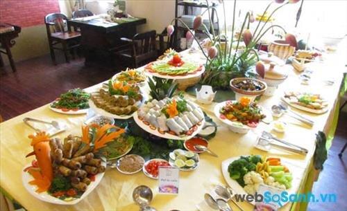 Không gian của một nhà hàng buffet chay