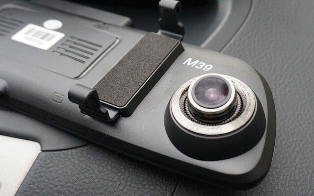 Camera hành trình giúp giám sát vị trí xe bạn