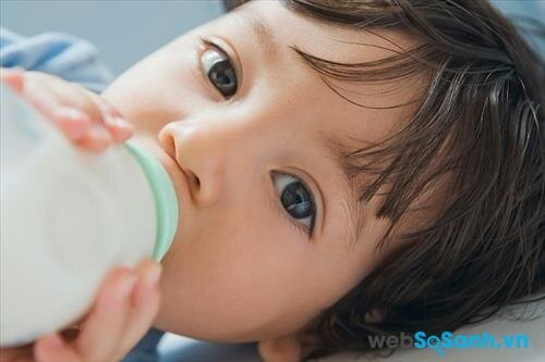 Dielac Optimum Step 2 chứa đạm Whey giúp bé dễ hấp thụ