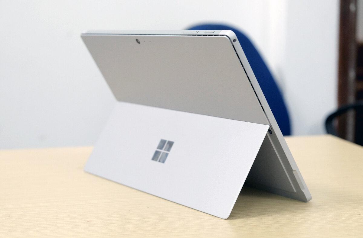 Thiết kế Surface Pro 5 không có nhiều khác biệt