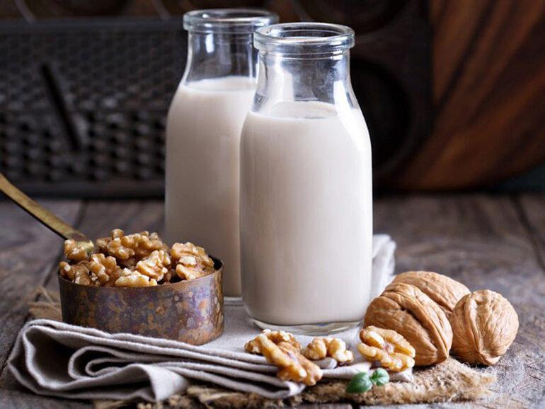 Dinh dưỡng trong sữa óc chó đa dạng và dồi dào
