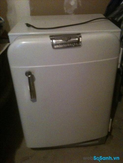 Tủ lạnh mini bị rò điện