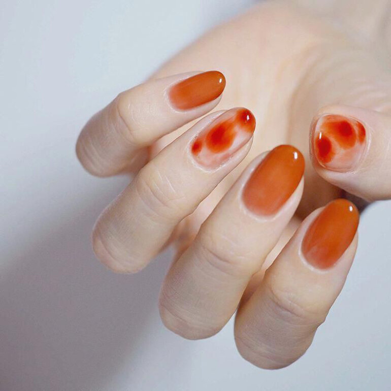 sơn móng tay Hàn Quốc màu cam bí ngô