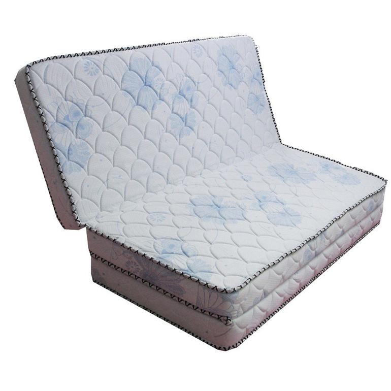Nệm cao su Kim cương loại gập 3 tiện dụng và dễ dàng di chuyển .