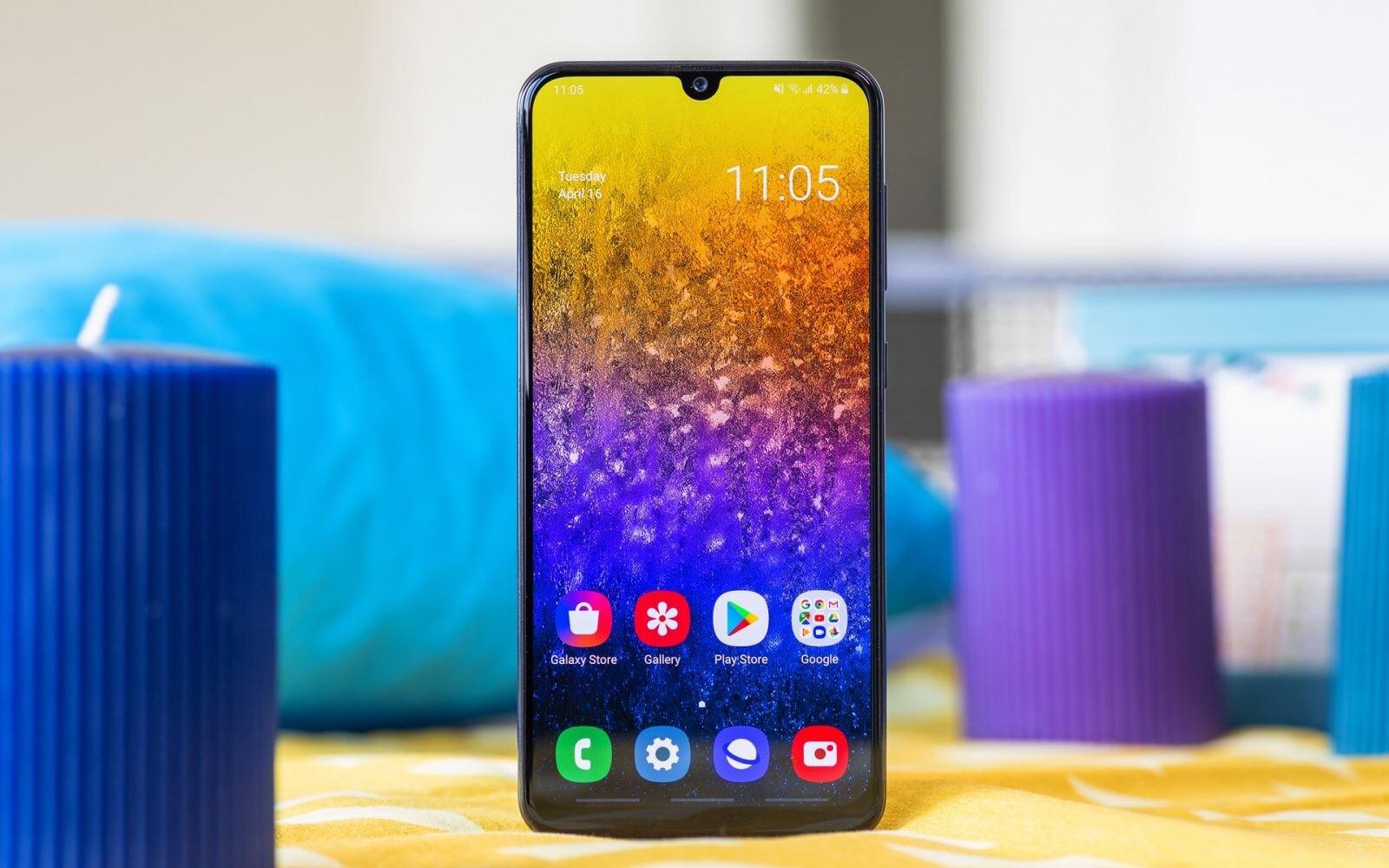 Samsung Galaxy A50 - mẫu điện thoại 7 triệu đáng mua