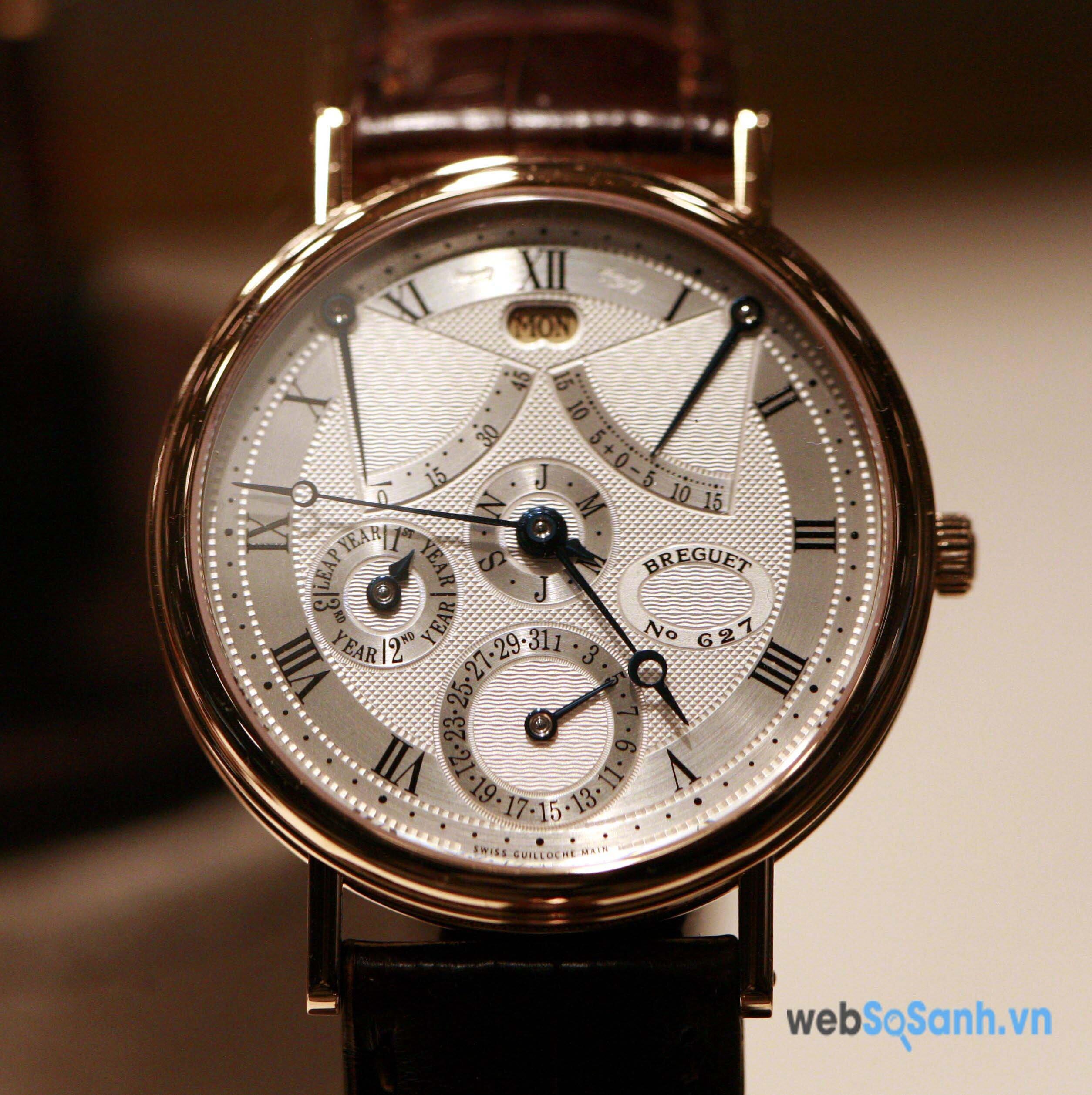 Một chiếc đồng hồ hiệu Breguet