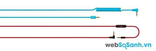 Hai loại dây đi kèm chiếc Beats MixR