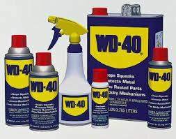 Làm sạch và khử mùi tủ lạnh với WD-40