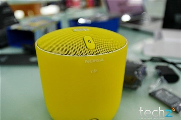 Mở hộp Lumia 1520 chính hãng tại Việt Nam: Trên cả tuyệt vời-image-1385719102504