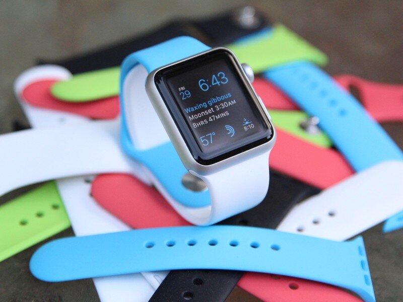 Apple Watch Sport với dây đeo nhiều màu sắc