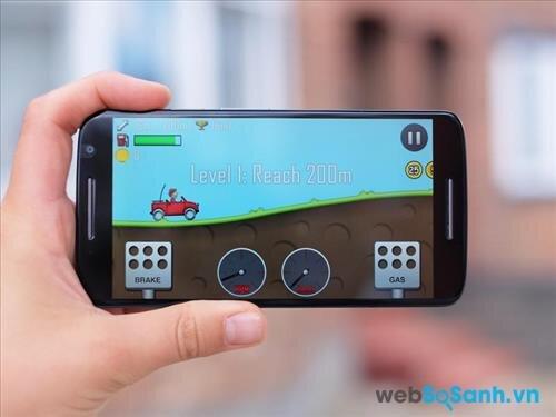 Không quá ấn tượng nhưng bộ vi xử lý 8 nhân của Moto X Play đủ giúp bạn có những phút giây giải trí với các game thông thường