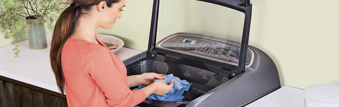 Liên hệ với tổng đài hỗ trợ của Samsung để thực hiện bảo hành máy giặt
