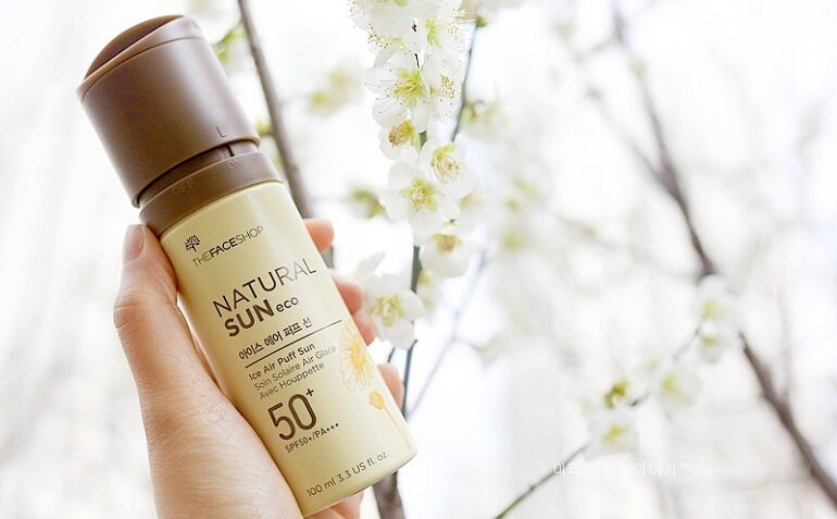 Kem chống nắng The Face Shop Natural Sun Eco Ice Air Puff Sun SPF 50 PA+++
