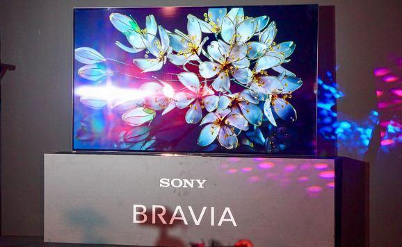 TV Sony A9G có thể nhận diện thông minh và phân tích các vật thể trong bức ảnh để tăng chi tiết và tương phản, giúp tái hiện lại hình ảnh mà nhà sản xuất mong muốn truyền tải đến người xem
