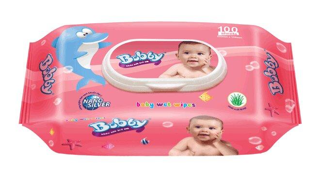 Khăn ướt Bobby được làm từ chất liệu mềm mại và đảm bảo sự an toàn cho bé.