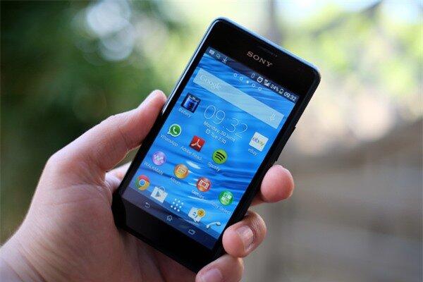Sony Xperia E1 5