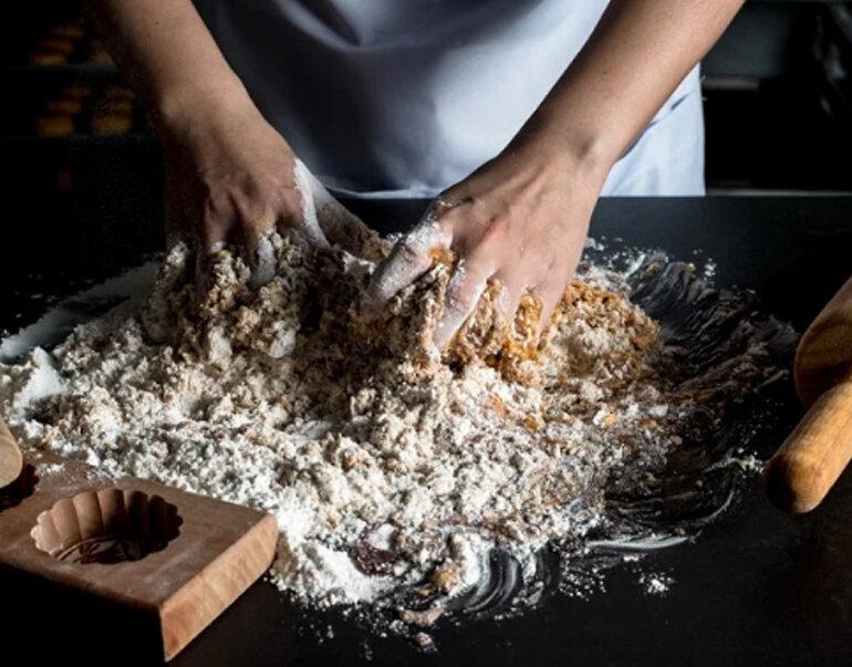 Cách làm vỏ bánh trung thu lava