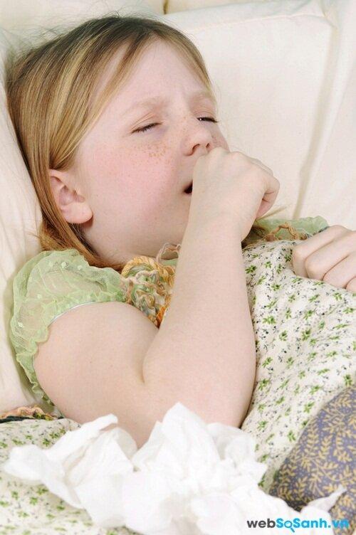 Trẻ thường ho nhiều hơn khi nằm