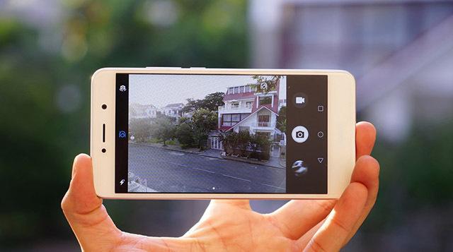 Giao diện camera đơn giản, dễ sử dụng