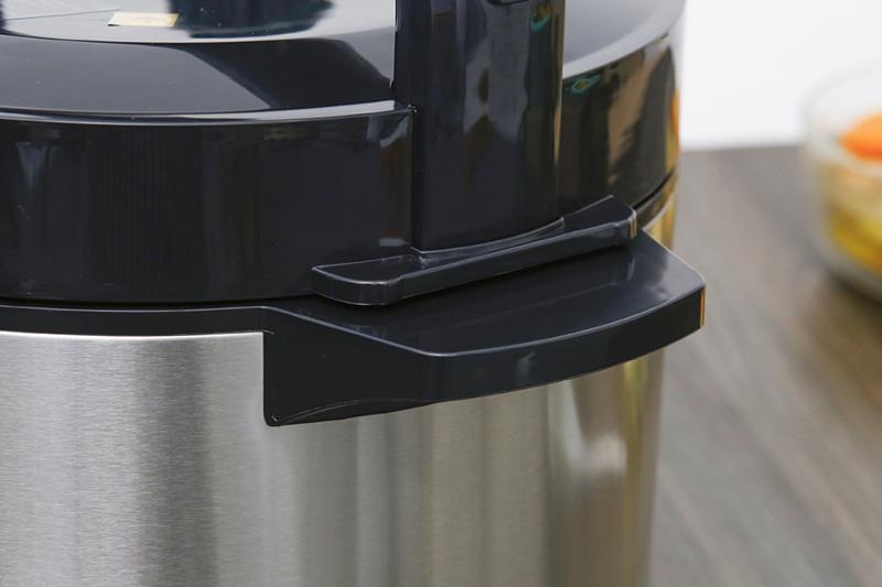 Nồi áp suất điện Philips HD2136/66 5 lít