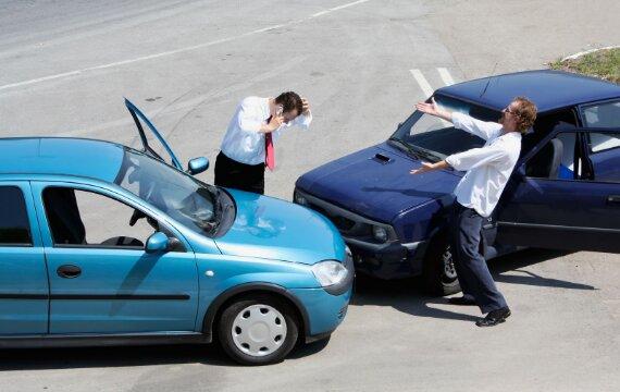 Hướng dẫn cách lấy bảo hiểm xe ô tô khi bị tai nạn đầy đủ chi tiết