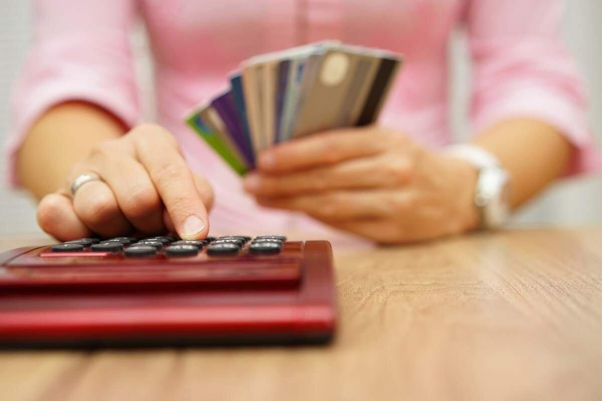 4 cách giảm phí thường niên cho thẻ tín dụng