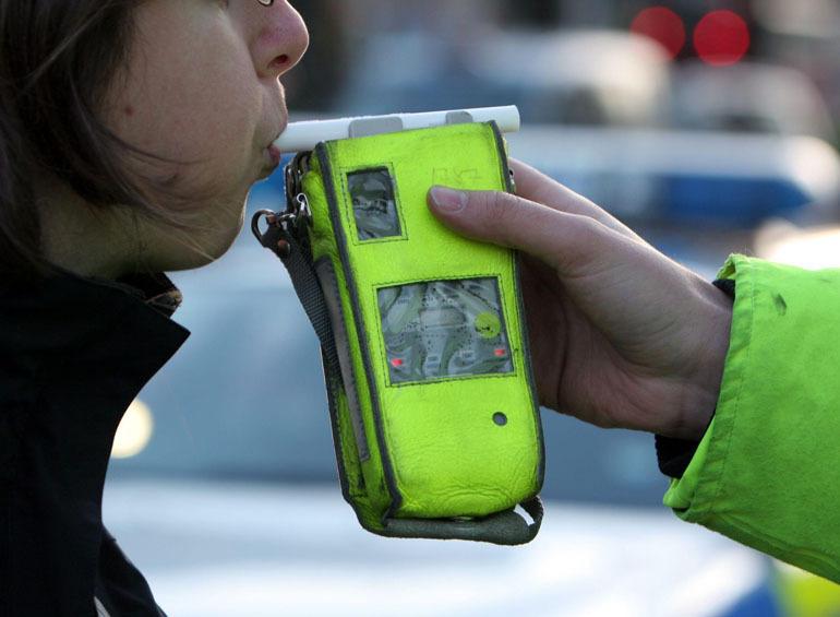 máy đo nồng độ cồn cảnh sát giao thông