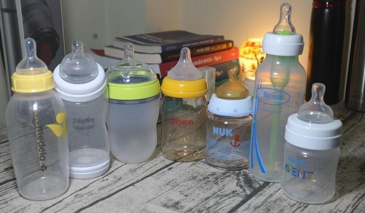 Có nhiều loại bình sữa cho bé khác nhau
