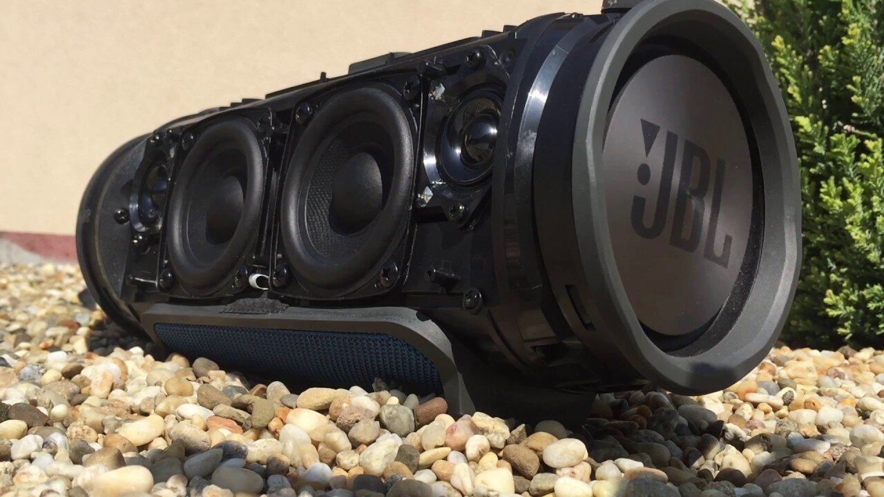 Loa di động không dây JBL Xtreme