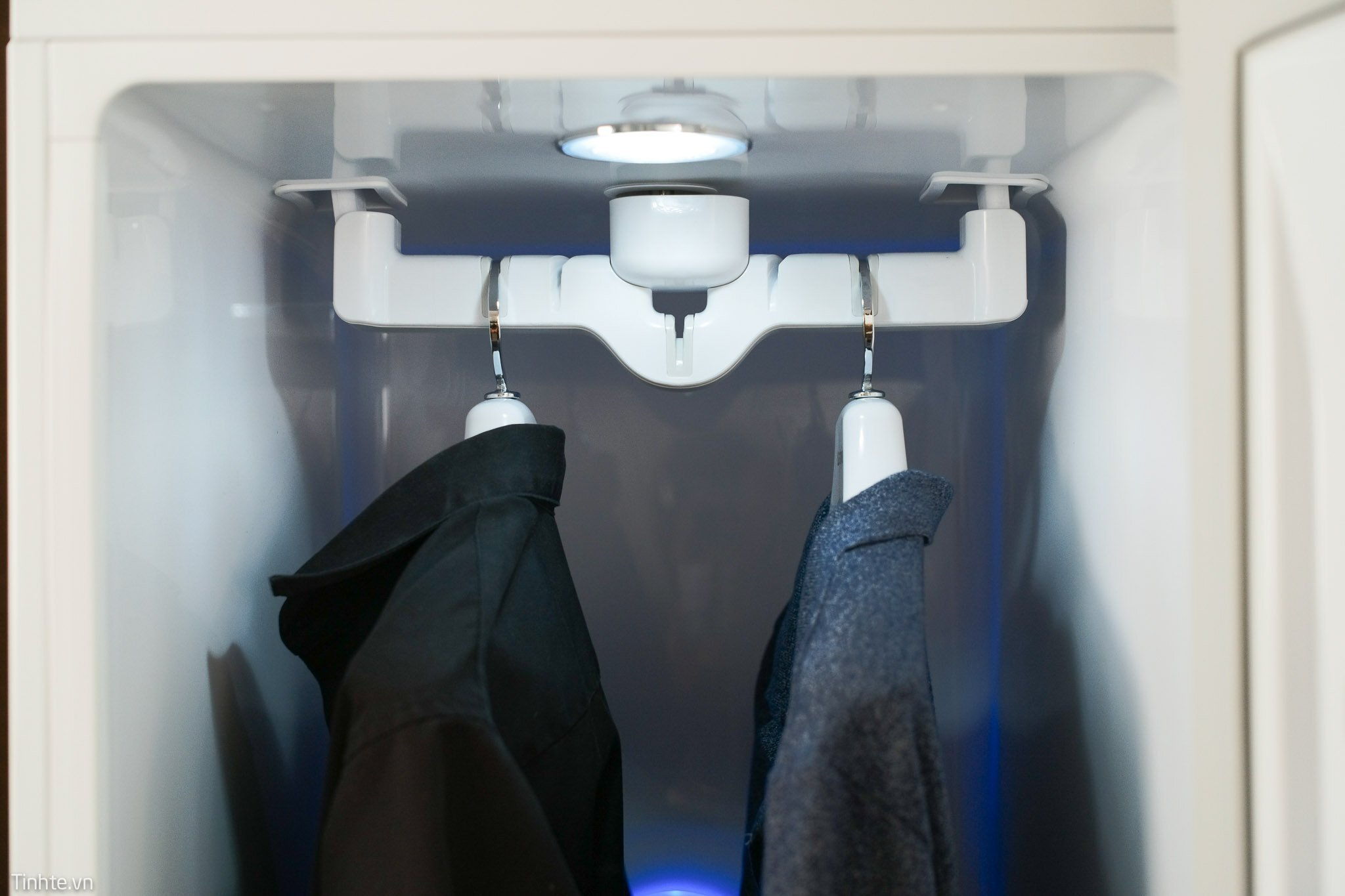 Tủ quần áo thông minh LG Styler chăm sóc quần áo cho cả nhà
