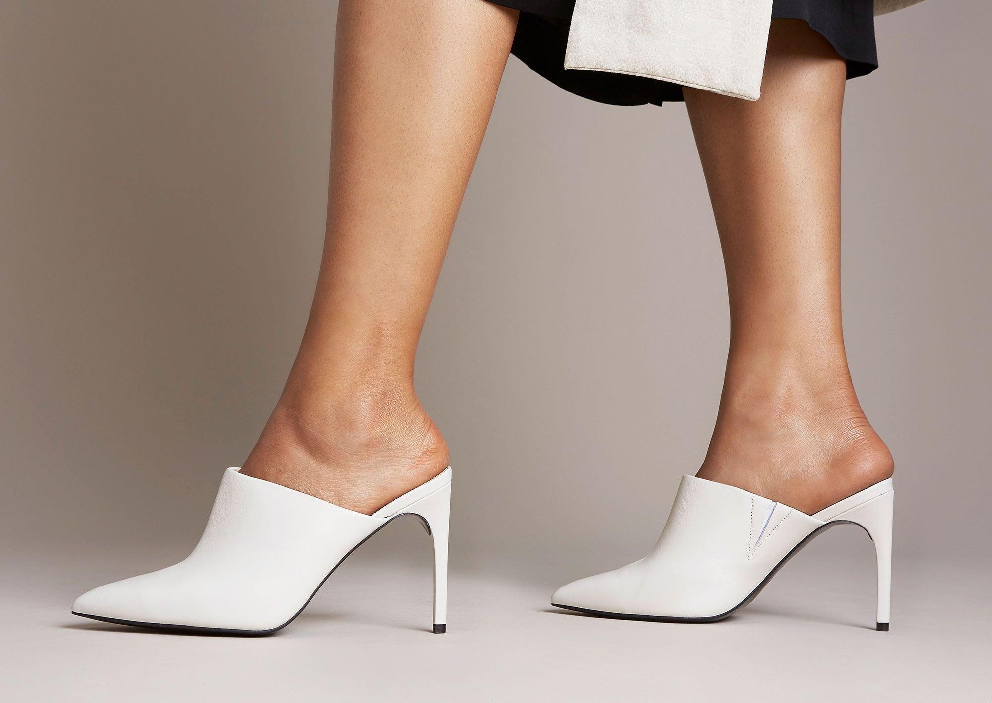 Giày cao gót Mules sang trọng và hiện đại